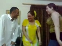iraqi X girl dance with a mendicant