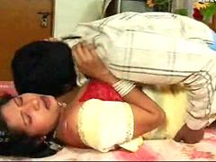Broad in the beam Breast Desi Indian Aunty