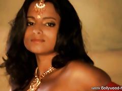 Bollywood Unilluminated Stunner
