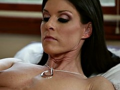 Momma's unspecific - India Summer, a rebel Lynn