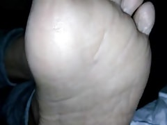 X BBW nude arms coupled with soles
