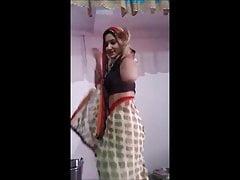 desi indian bhabhi sparking dance