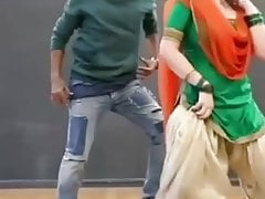 Hot dance be expeditious for zareen Khan totalling sexy