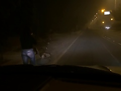 indian gf flashing the brush ass on road