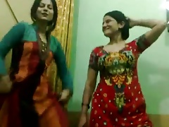 Pakistani Hot Beg for aunties Know Dance